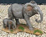 3063 olifant woestijn met baby H 27 cm x L 38 cm 30 euro
